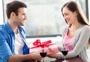 Your Guide To New Relationship Gift Giving