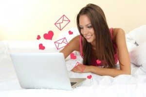 5 Critical Online Dating Questions Answered