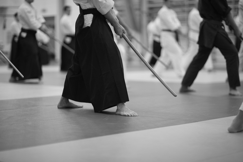 black and white photo of Japanese kendo practice